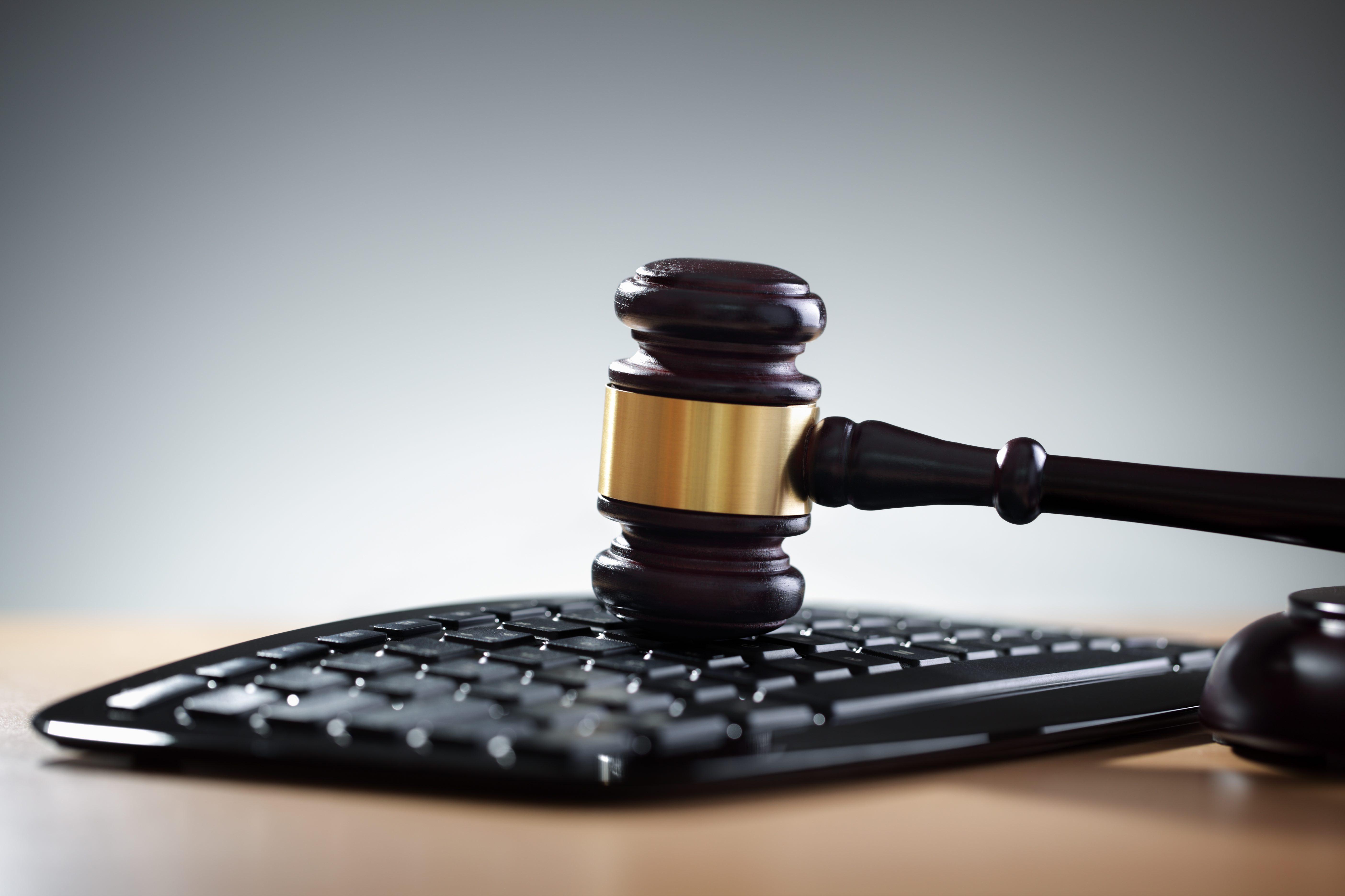 وکیل آنلاین در اصفهان